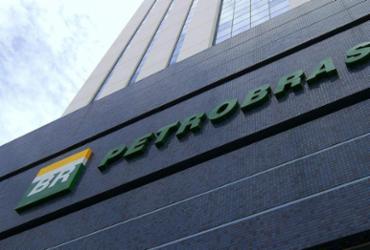 Petrobras começa a vender campos baianos; Levi comenta