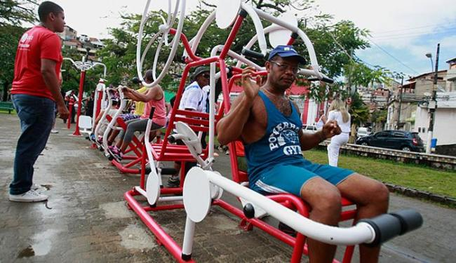 Equipamentos podem ser usados por pessoas de diversas idades, homens e mulheres - Foto: Joá Souza l Ag. A TARDE