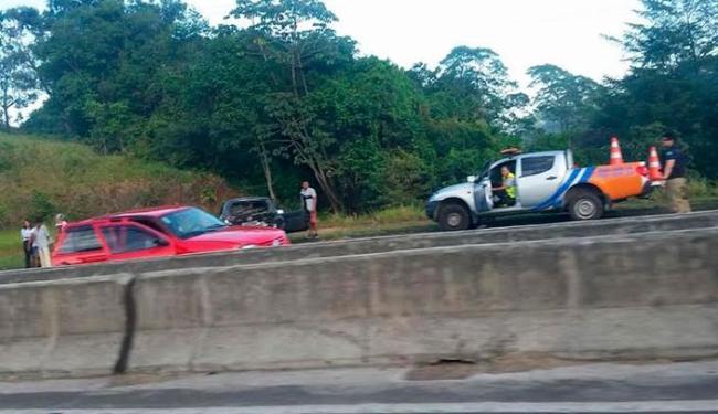 Três veículos colidiram no sentido Salvador - Foto: Foto Leitor | Via Whatsapp