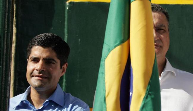 ACM Neto e Rui Costa já dividiram espaço em outro evento cívico esse ano, o Dois de Julho - Foto: Raul Spinassé | Ag. A TARDE