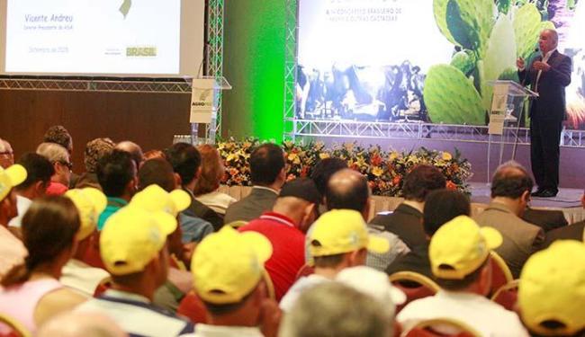 Diretor da Agência Nacional das Águas, Vicente Guillo fala à plateia da Agropec - Foto: Luciano da Matta | Ag. A TARDE