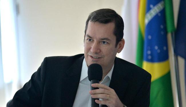 O secretário (foto) é acusado de desvio de verbas da Educação - Foto: Max Haack   Divulgação   26.05.2014