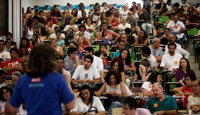 Assembleia geral foi realizada na Faculdade de Arquitetura da instituição, no bairro da Federação - Foto: Raul Spinassé | Ag. A TARDE