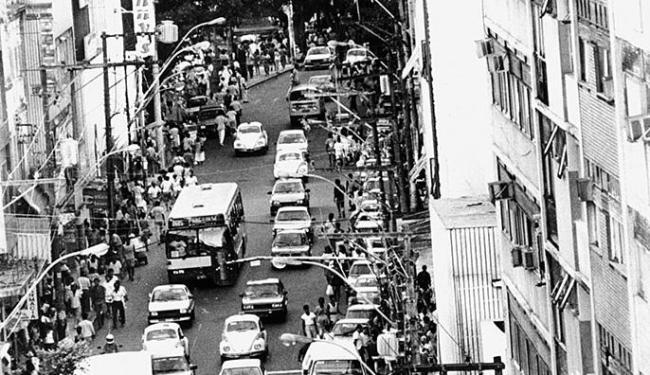 Avenida Sete de Setembro foi inaugurada como parte do projeto principal de modernização de Salvador - Foto: Arestides Baptista l Arquivo A TARDE