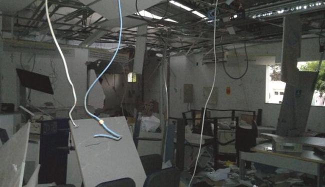 A agência do Banco do Brasil ficou destruída após ação ousada dos bandidos - Foto: Reprodução