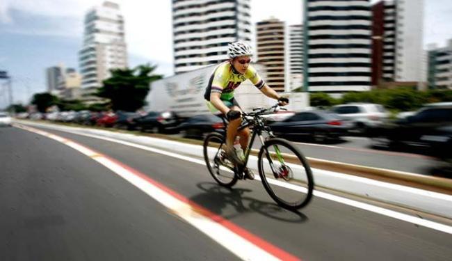 Programação tem objetivo de incentivar o uso da bicicleta nas ruas da capital baiana - Foto: Raul Spinassé   Ag. A TARDE