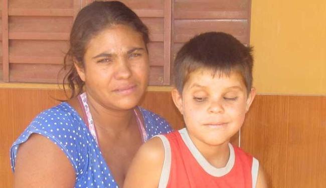 O menino se limita a apenas rabiscar em sala de aula - Foto: flaviovasco.com.br / Divulgação
