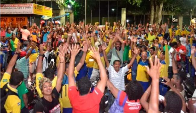 Assembleia dos Correios em Salvador aconteceu no Comércio, na noite desta terça-feira - Foto: Divulgação | Sincotelba