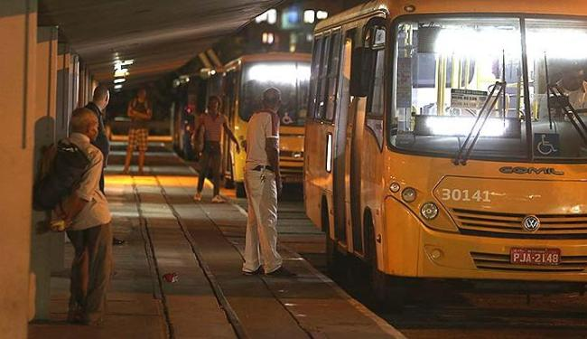 Ônibus Corujão é mais utilizado no fim de semana - Foto: Joá Souza | Ag. A TARDE