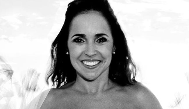 Daniela Mercury estará acompanhada apenas do violão - Foto: Célia Santos   Divulgação