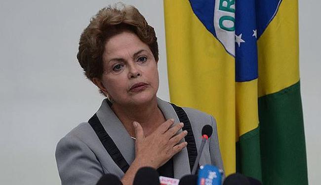 Dilma Rousseff convocou neste sábado, 12, ministros para mais uma reunião - Foto: José Cruz l Agência Brasil