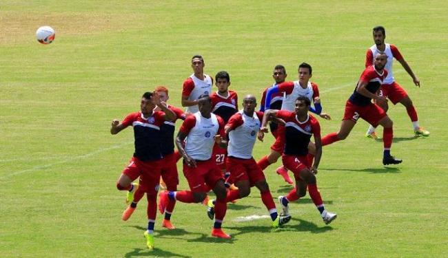 O Bahia exercitou as bolas paradas no treino desta quinta, 3, no Fazendão - Foto: Luciano da Matta | Ag. A TARDE