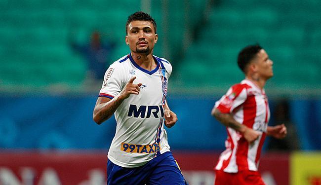 Kieza marcou dois gols e deu o passe para o triunfo tricolor - Foto: Raul Spinassé l Ag. A Tarde