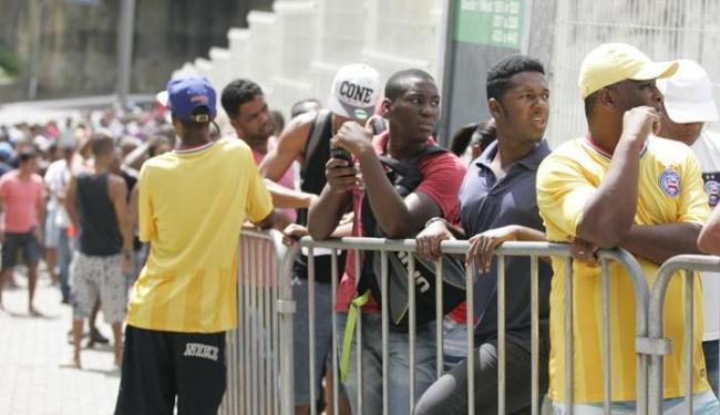 Dia foi marcado por filas e muita espera por parte dos torcedores - Foto: Edilson Lima | Ag. A TARDE