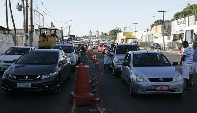 Espera para travessia de veículos no ferry chega a 2h - Foto: Fernando Amorim   Ag. A TARDE   04.09.2015