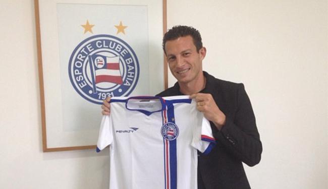 Gustavo assinou contrato com o tricolor até dezembro de 2016 - Foto: Divulgação l E.C. Bahia