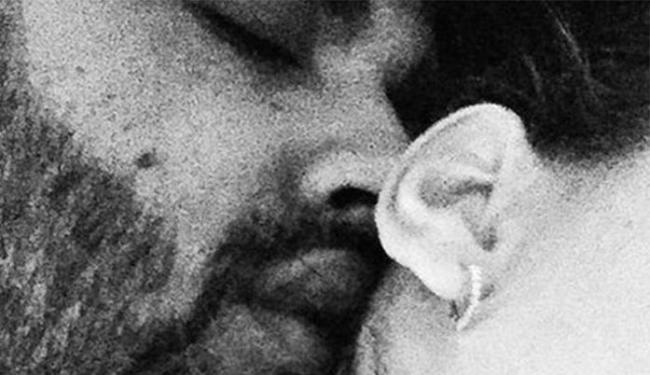 Sertanejo posta foto com o rosto colado na nuca de uma mulher e depois apaga - Foto: Reprodução   Instagram