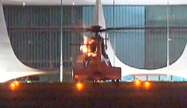 O momento durou 3 segundos e não impediu que o aparelho seguisse viagem - Foto: Reprodução | TV Globo