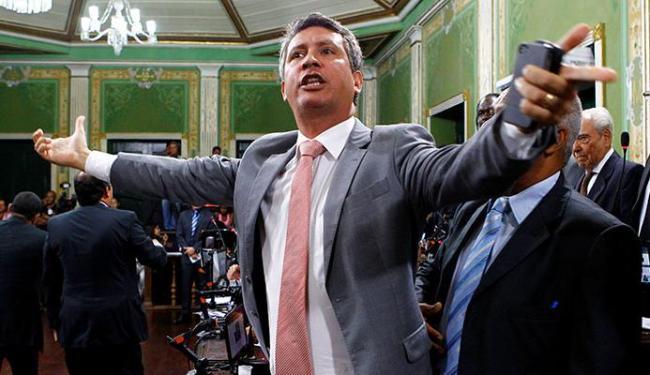 Henrique Carballal diz que, se a Câmara autorizou viagem com verba, é porque não viu ilegalidade - Foto: Eduardo Martins   Ag. A TARDE 3.2.2014