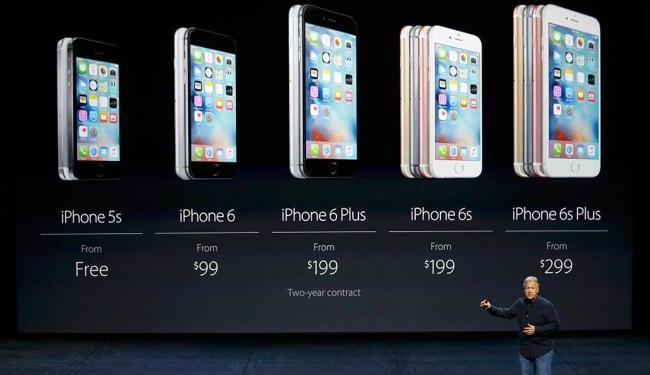 Phil Schiller, vice-presidente de MKT da Apple, apresenta a nova geração de iPhones - Foto: Beck Diefenbach | Reuters | 09.09.2015