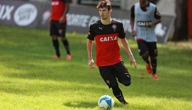Jogador se recupera de lesão - Foto: Joá Souza   Ag. A TARDE 05.05.2015
