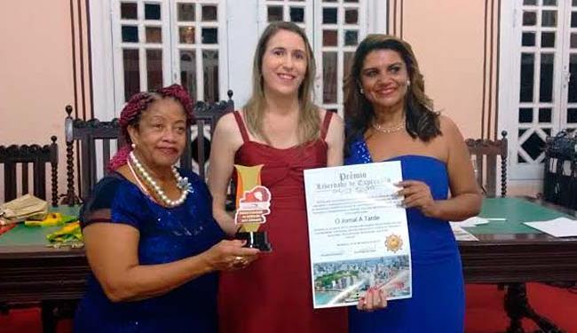 Mariana Carneiro (ao centro) ao lado de Luislinda Valois e Izabelle Valladares - Foto: Edilson Lima | Ag. A TARDE