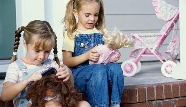 Brinquedos de meninas estimulam a passividade, segundo a cientista - Foto: Getty Images