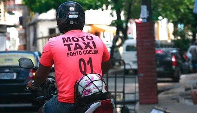 Expectativa é que regulamentação de mototaxista entre em vigor antes do Carnaval - Foto: Fernando Amorim   Ag. A TARDE 01.09.2015