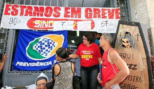 Público era orientado a voltar para casa e obter informações via central telefônica, pelo número 135 - Foto: Luciano da Matta | Ag. A TARDE
