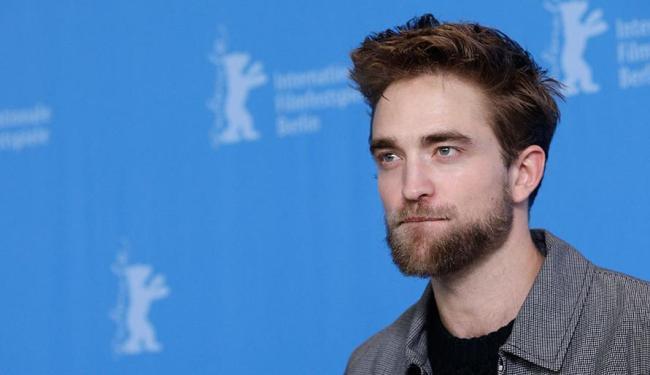 Pattinson disse que quase enlouqueceu com a fama após o sucesso da saga