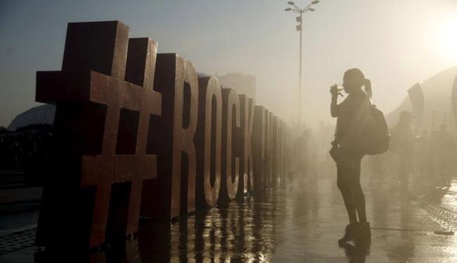 O calor marcou o segundo dia do festival - Foto: Pilar Olivares | Ag. Reuters