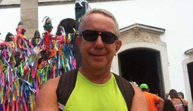 Sérgio de Brito, que mora no bairro da Barra, levou o criminoso para sua casa - Foto: Reprodução   Facebook
