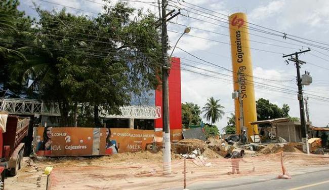Shopping é instalado na Estrada do Coqueiro Grande e deve ser entregue este ano - Foto: Luciano da Matta | Ag. A TARDE