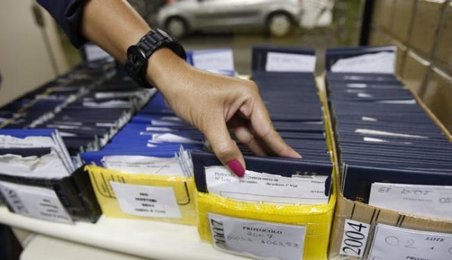 Um dos serviços oferecidos será a confecção da carteira de trabalho - Foto: Margarida Neide | Ag. A TARDE