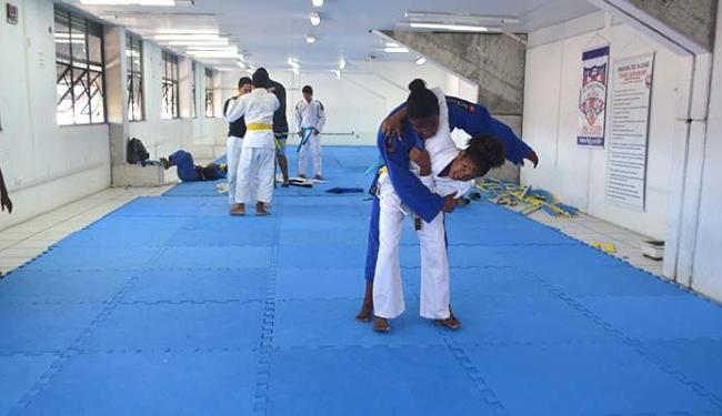 Tailani treina para derrubar adversárias no campeonato - Foto: Mais Esporte | Divulgação