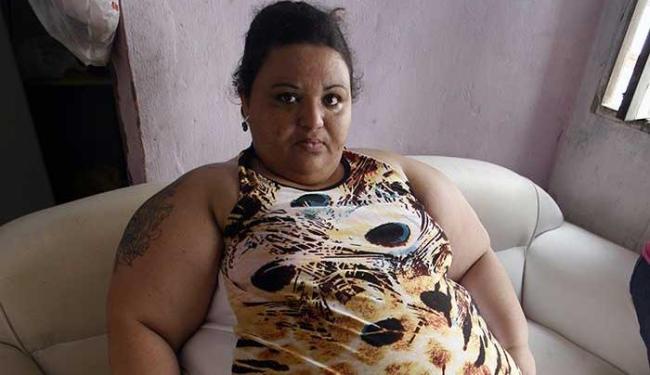 Tatuadora diz que em menos de um ano engordou 140 kg - Foto: Luiz Tito | Ag. A TARDE