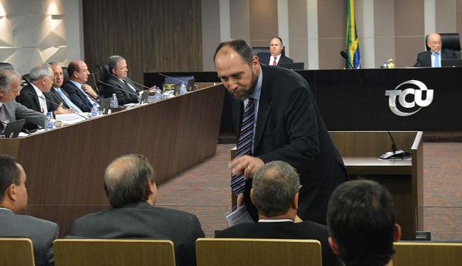 Plenário do TCU, onde o advogado-Geral da União Luís Adams defende a legalidade das contas de Dilma - Foto: Valter Campanato | ABr