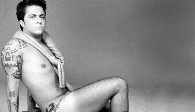 Thammy posou pelado para ilustrar sua biografia - Foto: Divulgação