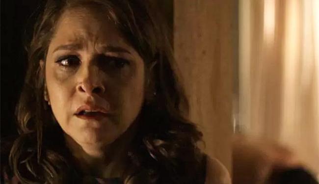 Carolina fica transtornada e tem uma crise de choro - Foto: Divulgação | TV Globo