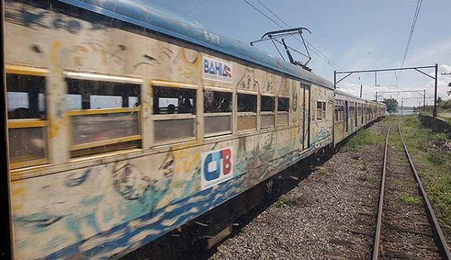 VLT vai substituir, no subúrbio de Salvador, os velhos trens do local - Foto: Marco Aurélio Martins   Ag. A TARDE