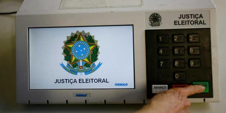 Recursos de caixa 2 em campanhas eleitorais representam apenas 2,76% do total de dinheiro pago - Foto: Margarida Neide | Ag. A TARDE
