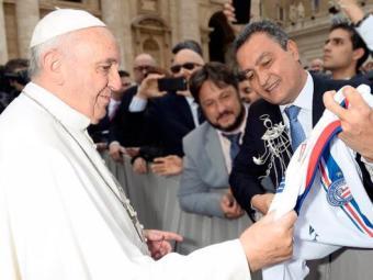 Rui Costa e o Papa - Foto: Vaticano | divulgação