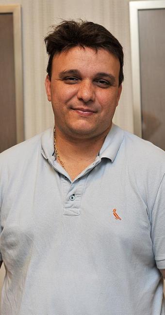 Flávio César Barbosa Júnior, dono do restaurante Torre de Pizza - Foto: Marco Aurélio Martins l Ag. A TARDE l 15.10.2015