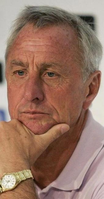 O câncer pode ter sido causado pelo cigarro, já que Cruyff era fumante - Foto: Alejandro Acosta | Agência Reuters
