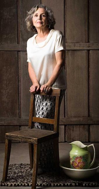 Irene Ravache interpreta Vitória em