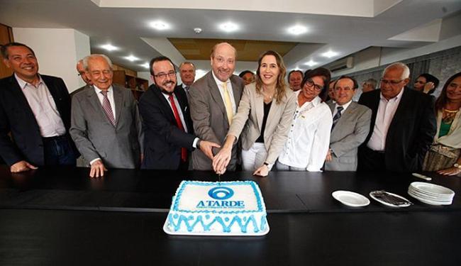 Personalidades felicitaram diretores e funcionários do jornal fundado por Ernesto Simões Filho - Foto: Joá Souza | Ag. A TARDE
