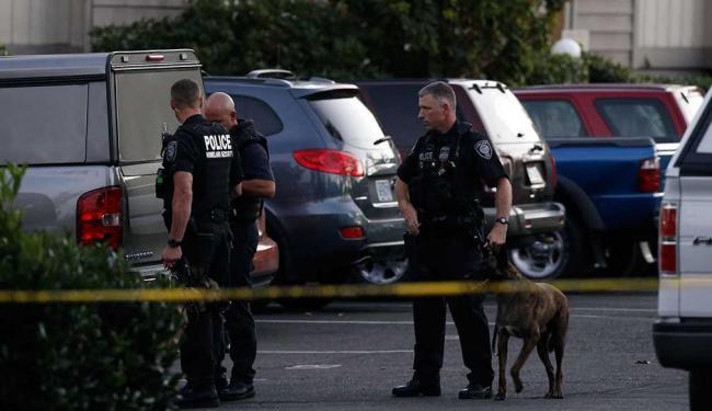 Após atentado, polícia isolou a área próxima à universidade - Foto: Agência Reuters