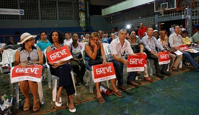 Em Salvador, cerca de 60 trabalhadores participaram da assembleia nesta segunda - Foto: Margarida Neide l Ag. A TARDE