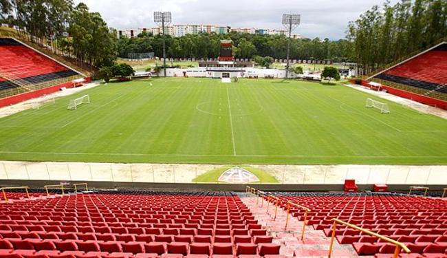 Projeto de modernização do Barradão inclui cadeiras nos quatro lados do campo - Foto: Adilton Venegeroles | Ag. A TARDE
