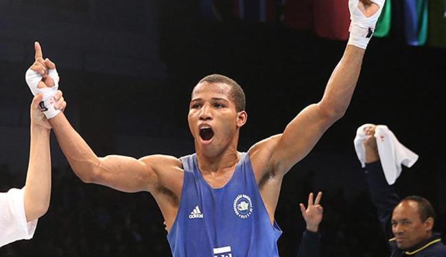 Neste sábado, 10, o lutador baiano disputa uma vaga na semifinal do Mundial de Boxe - Foto: Nikita Bassov | Divulgação